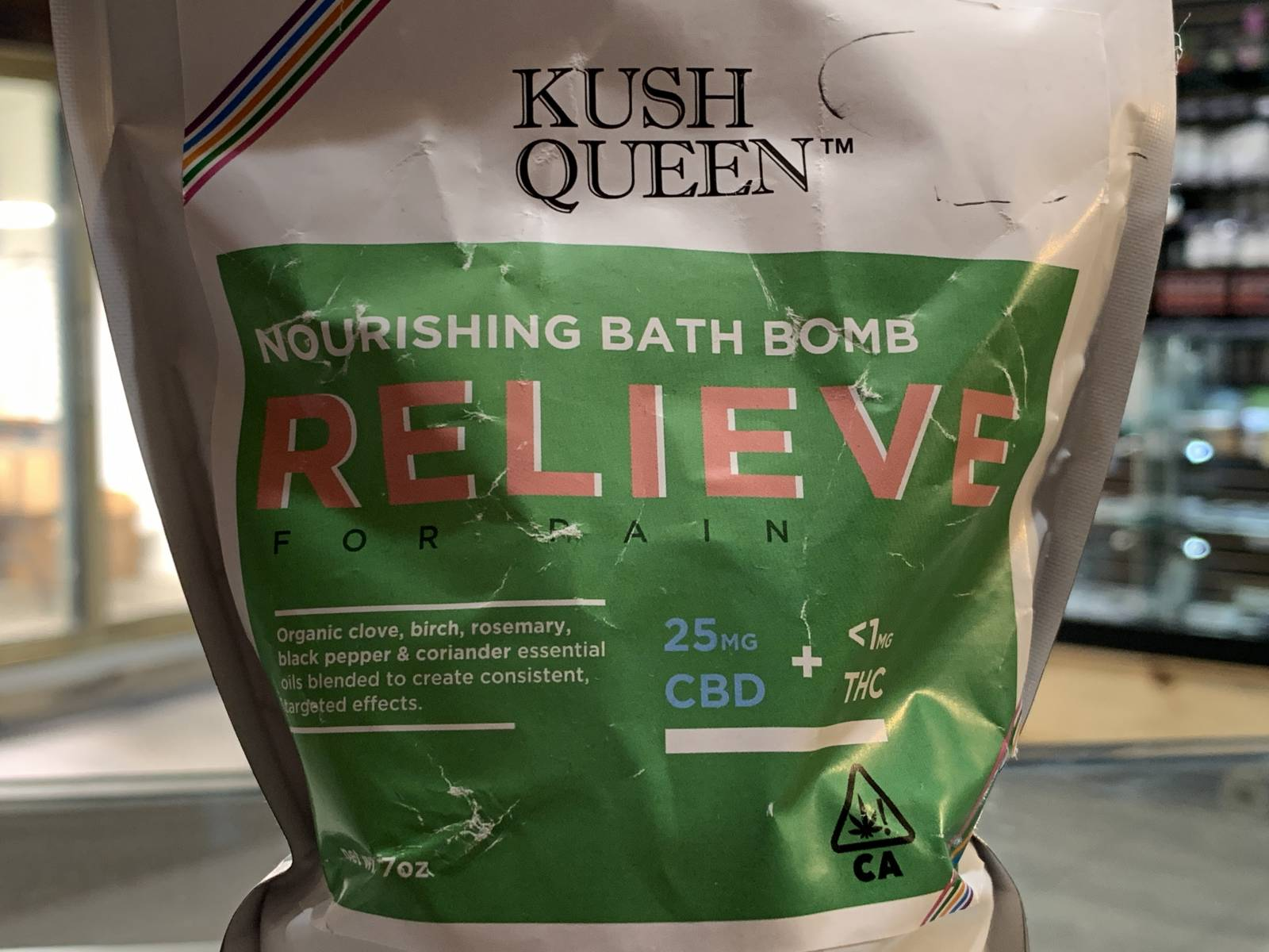 Kush Queen Relieve cbd bath bomb