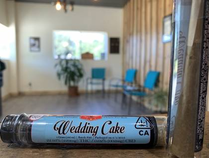 Sweetwater pharms wedding cake preroll